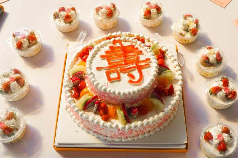 云岩区中心敬老院为在住所有7月份过生日的老人举办生日同乐会